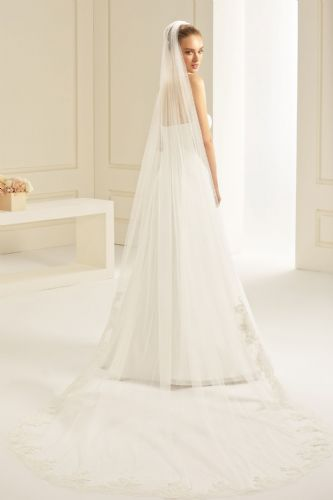 Floor length bridal veil, long lace edged wedding veil
